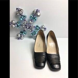 Vintage CHANEL Black Leather  Heel Pumps